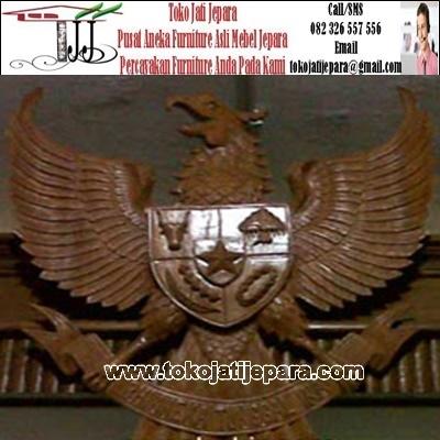 Hiasan Dinding TJJ01 Garuda Ukir Kayu Jati