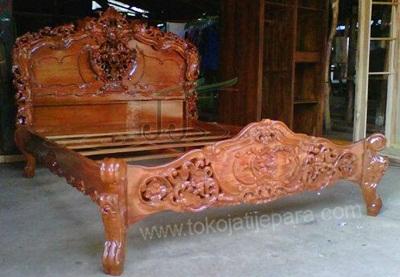 Dipan Jati TJJ06 Tempat Tidur Furniture Jepara