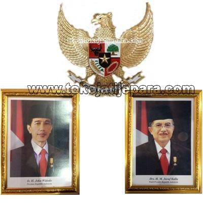 Hiasan Dinding Garuda Ukir Dengan Pigura Presiden Dan Wakil Presiden TJJ04