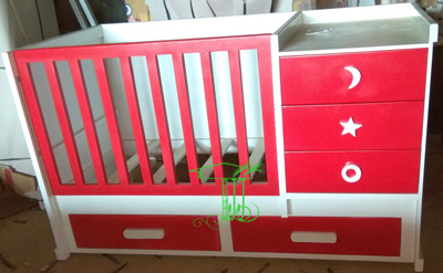 Box Tempat Tidur Bayi Artistik