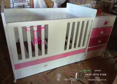 Box Tempat Tidur Bayi Rupawan
