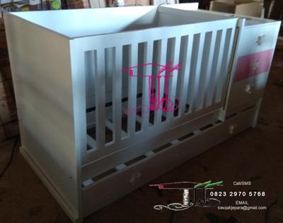 Box Ranjang Bayi Artistik Buatan Toko Jati Jepara